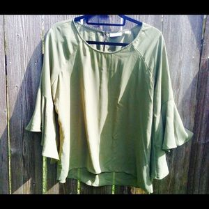 New York & company bell sleeve blouse